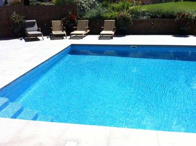Luxury Outdoor Swimming Pool
