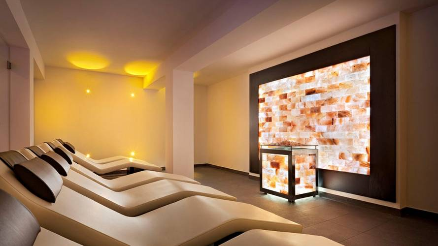 Spa Space With Loungers And Salt Wall