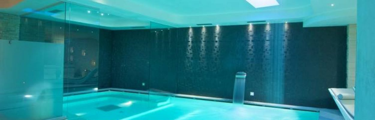 Water-Features-For-Indoor-Pools-Luxury-Pool-Sauna-Spa-London